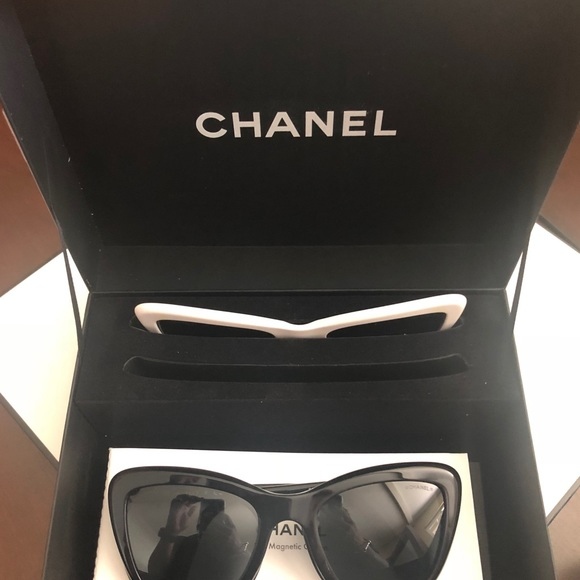 b2bb60ec Chanel summer 2018 magnetic clip sunglasses